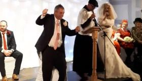 Minister Kevin 'Boxer' Moran ties the knot in hilarious mock marriage for Longford charity