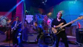 Watch | State Lights perform a 90s hit on the Podge & Rodge Show