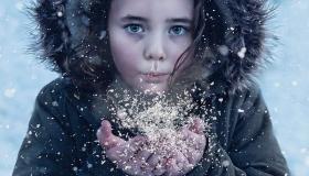 Snowy Longford Gallery 5: Children beam with delight in Longford's winter wonderland