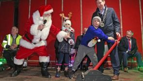 Photo Gallery: Santa Claus lights up Longford for Christmas