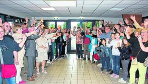 Étendant la main de l'amitié de Longford à Noyal Châtillon sur seiche en France