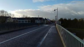 Traffic delays over Tarmonbarry bridge fault