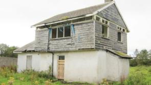 Easy on the pocket! Lakeside hideaway in wee Donegal  for only €50k