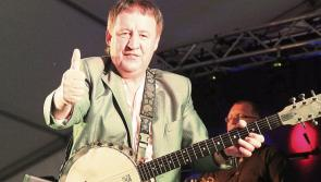 Country Music star Declan Nerney in the field for racecourse BBQ fun at Naas