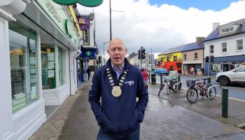 #BackInBusiness   Cathaoirleach encourages support for the non-essential retail that 'keeps the streets of Longford alive'