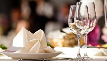 EXPLAINER: What are the steps agreed by Government for a phased reopening of indoor dining