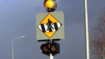 Motorists advised to drive with  caution in Longford town as pedestrian crossing lights damaged