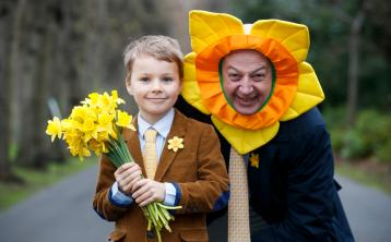 Businessman Bobby Kerr urges companies in Longford to support Daffodil Day
