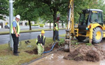 Burst water main causing traffic disruption in Longford