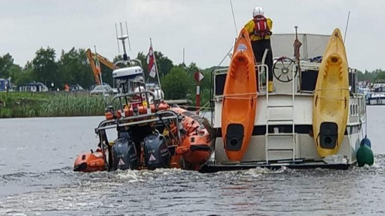 Lough Ree RNLI rescue thirteen people on board stranded boats on the Longford lake shore