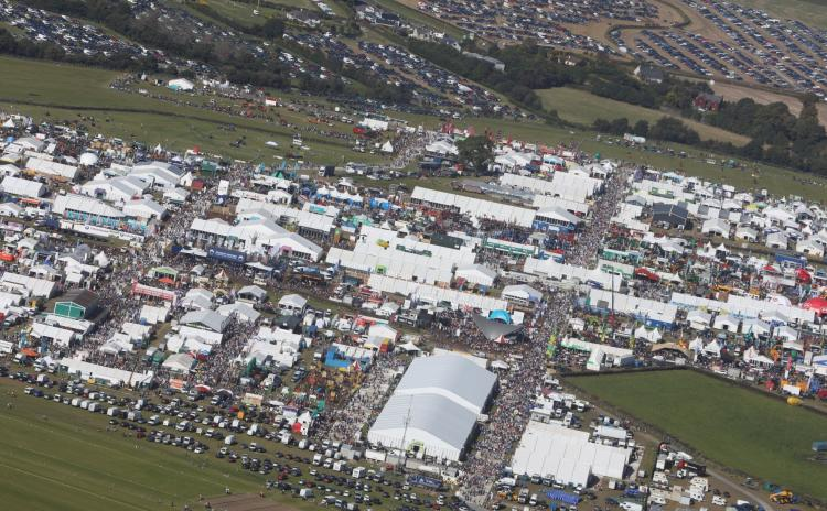 Record number of 216,000 visitors attend first two days of #Ploughing19