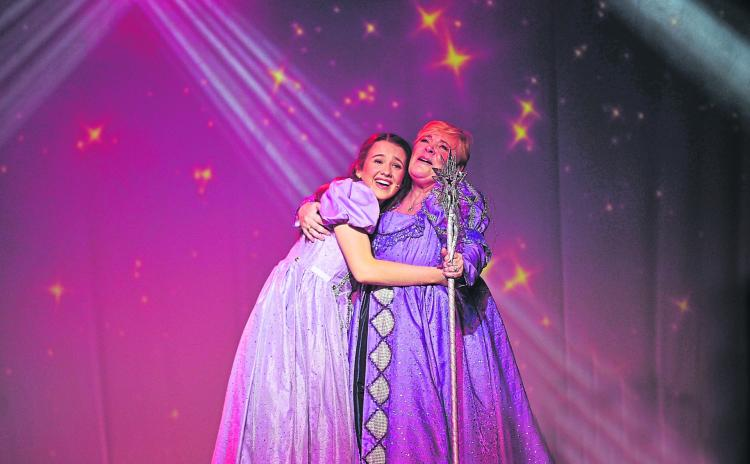 PICTURES   The return of traditional panto to Longford a huge success as Cinderella wows local crowds