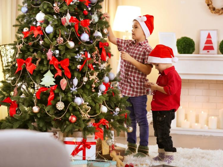 when is it ok to put up the christmas decorations - When Should You Put Up Your Christmas Tree